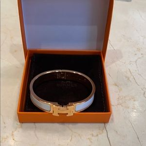 Hermès white and rose gold bangle